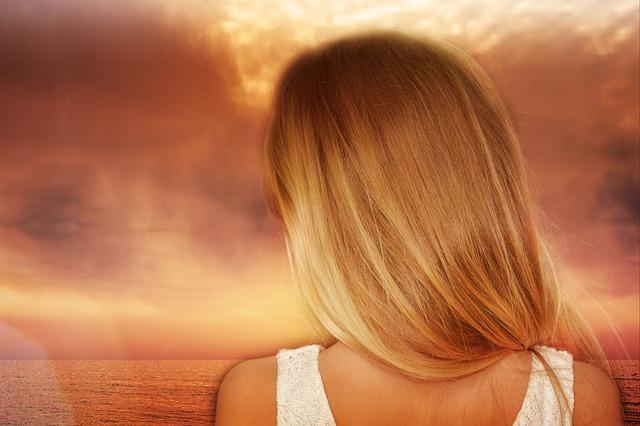 włosy długie blond