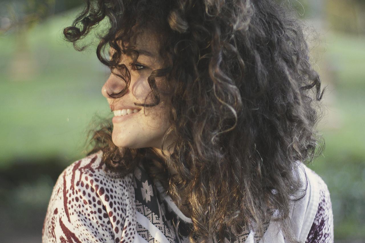 łupież a pielęgnacja włosów