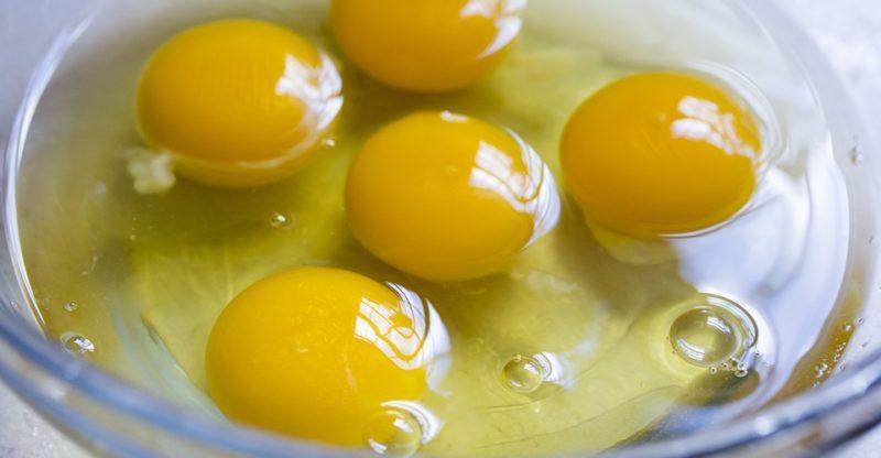 jajka na włosy